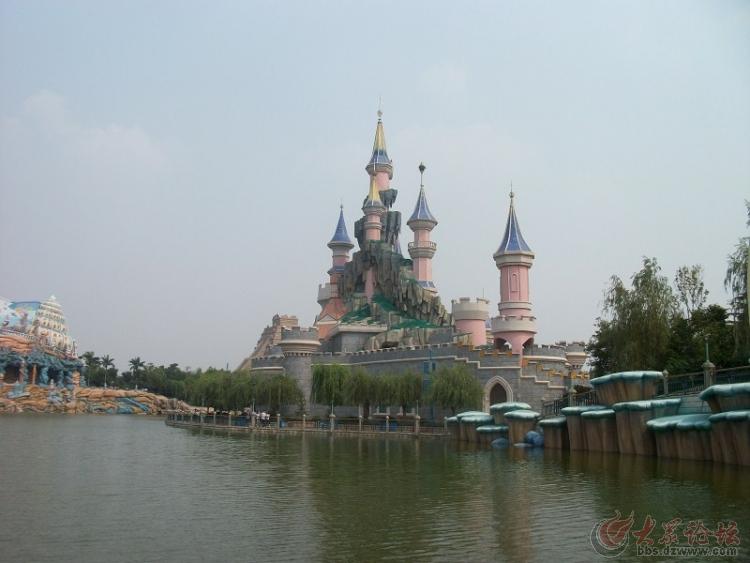 走进新泰方特游乐园