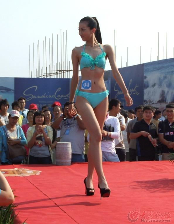 潍坊海滩比基尼大赛拍美女