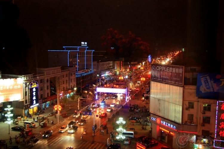 摄于曹县汽车站路口
