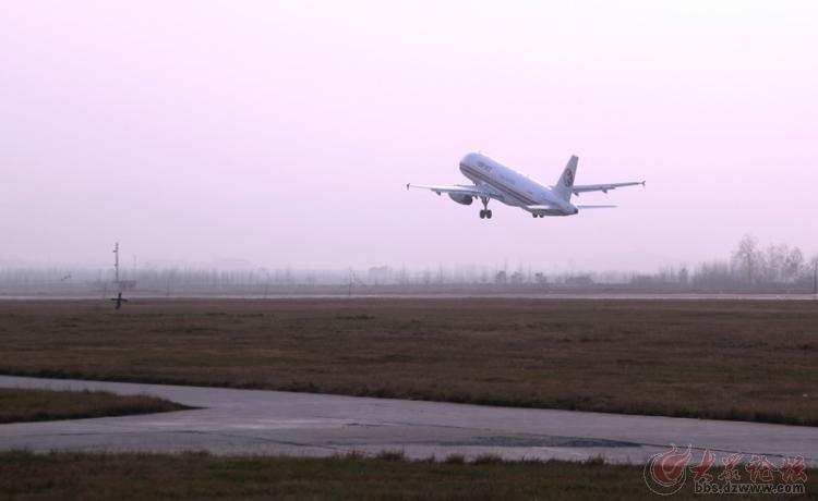 初冬看飞机起降 - 威海拍客