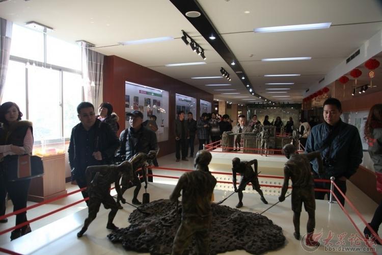大众网友看菏泽走进巨野花冠集团花冠酒文化展