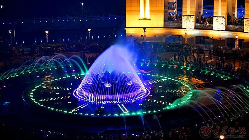 泉城广场喷泉夜景