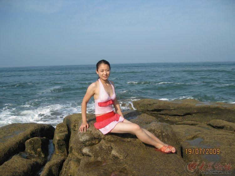 夏天海边美女随拍 景美人更美