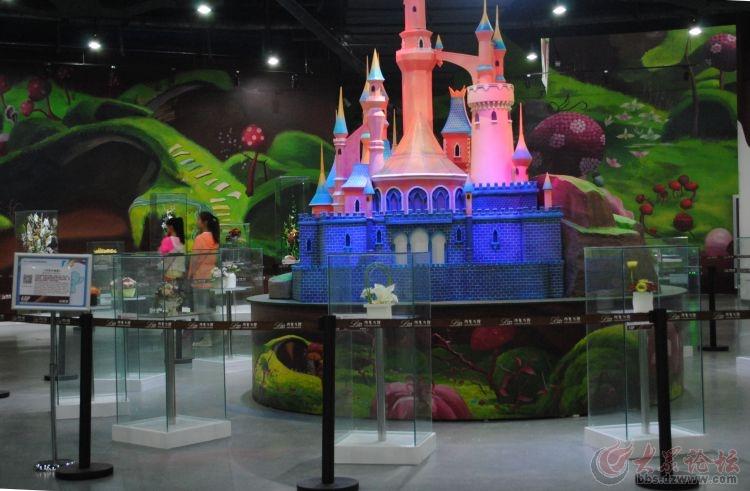 园艺史上第一个用巧克力打造花卉的展馆——青岛世界园艺 .