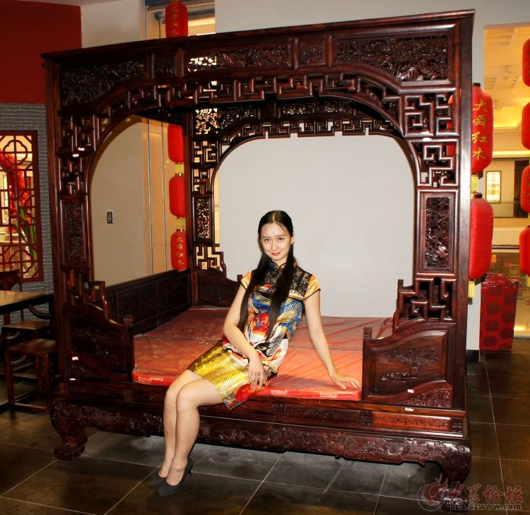 濟南紅木家具美女