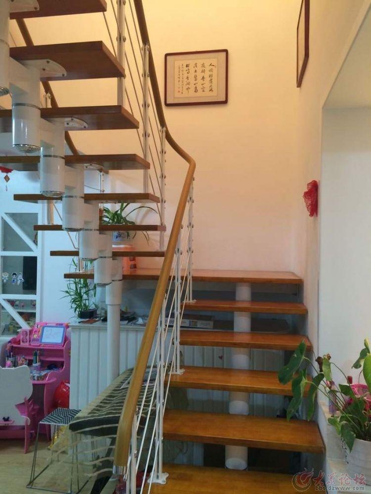 re 轿顶山花园高层豪华装修样板间急转 高清图片