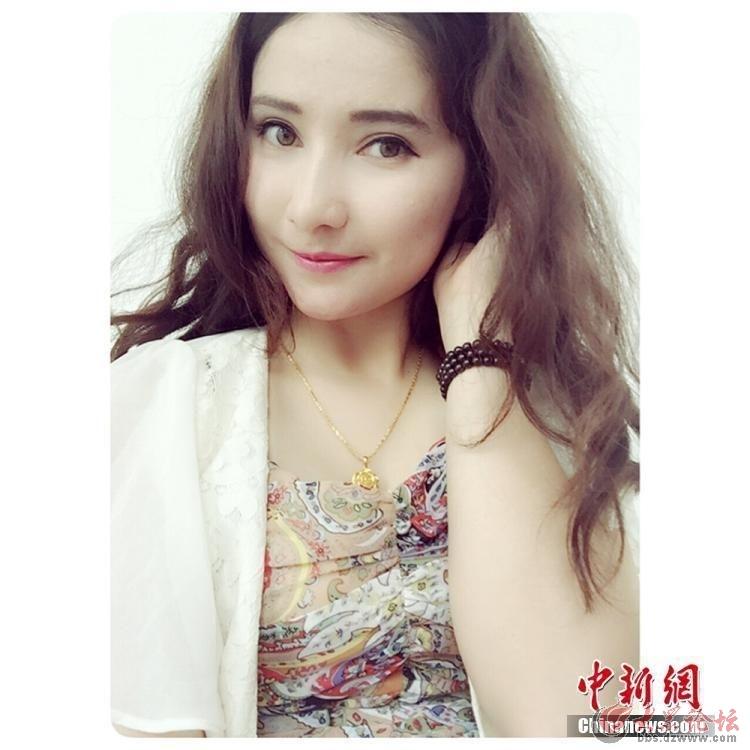 新疆美女特警生活照走红