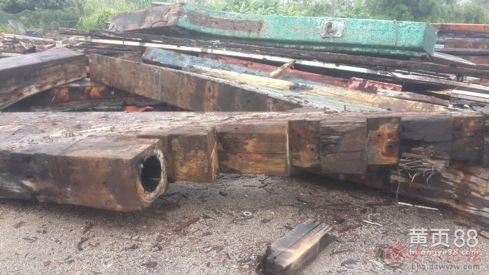 出售木制渔船拆解老船木原木大料