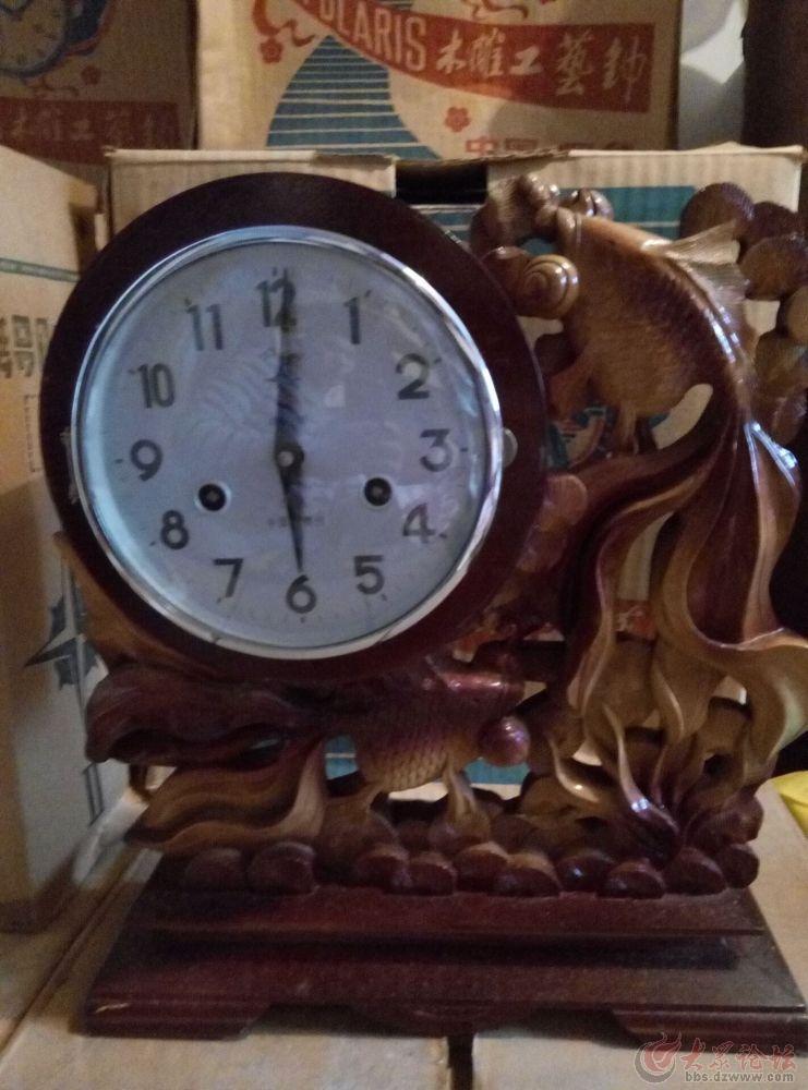 本人有幸淘得一批北极星木雕工艺机械钟。有八十年代、九十年代的,能正常走针报时!绝对是经典收藏。包老包旧!!多种造型,价格不一,数量有限!!喜欢的抓紧了!错过这次就真的没有啦!订购电话:18663395300(附各古董网同款产品价格)