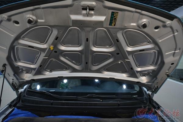汽车发动机噪音怎么破 安博士u型槽 前机盖隔音又是什么鬼高清图片