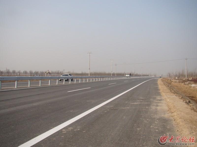 同时,滨惠大道作为济滨东高速公路与滨州市区的连接线,是滨州融入济南