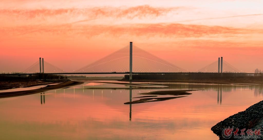 大桥全景图1.jpg