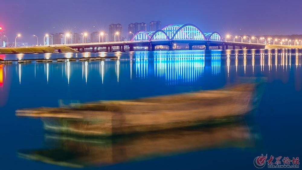 已发表46.跨海大桥夜色-张启朋.jpg